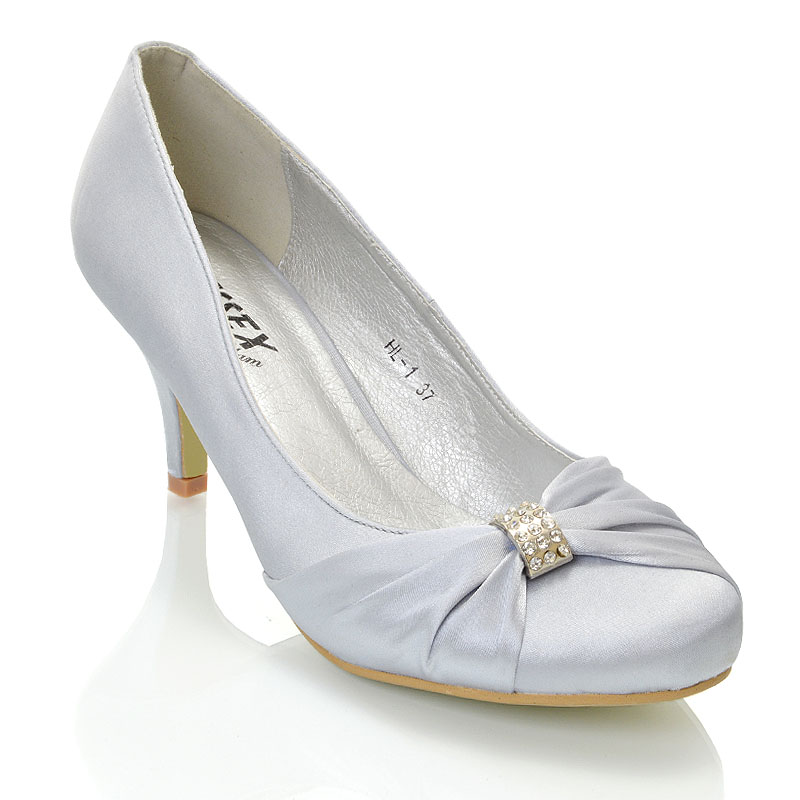 be87f84072b9 WOMEn S BRIDAL SHOES LOW HEEL STILETTO LADIES DIAMANTE BROOCH SATIN PARTY  COURTS. X. X. X. X. X